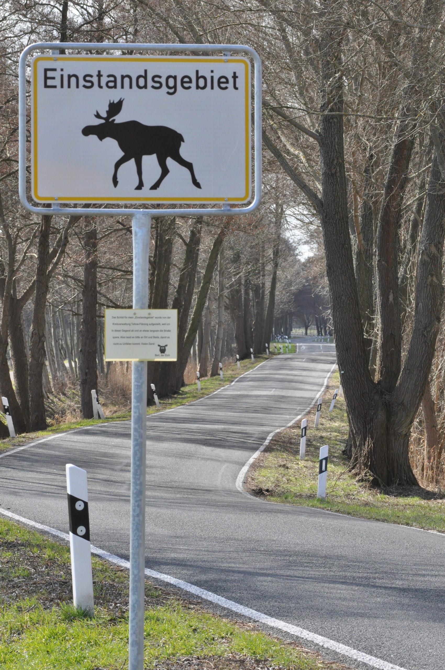 Warnschild in Dobbrikow - Einstandsgebiet des Elches